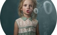 polkadot - smoking child cerchi fumo bambina - sigaretta non si dice piacere etichetta bon ton buone maniere
