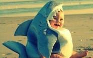 squalo bambini bimbi- non si dice piacere- bon ton - buone maniere