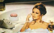 brigitte bardot- vasca- drik non-si-dice-piacere-blog-bon-ton-buone-maniere-galateo- autunno- telefono- come si usa- cellurare- telefonino