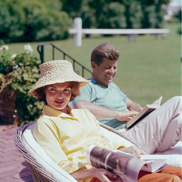 spring-primavera-non-si-dice-paicere-bon-ton-buone maniere-jackie and JFK Portrait #3 by Mark Shaw. Hyannis Port, 1959