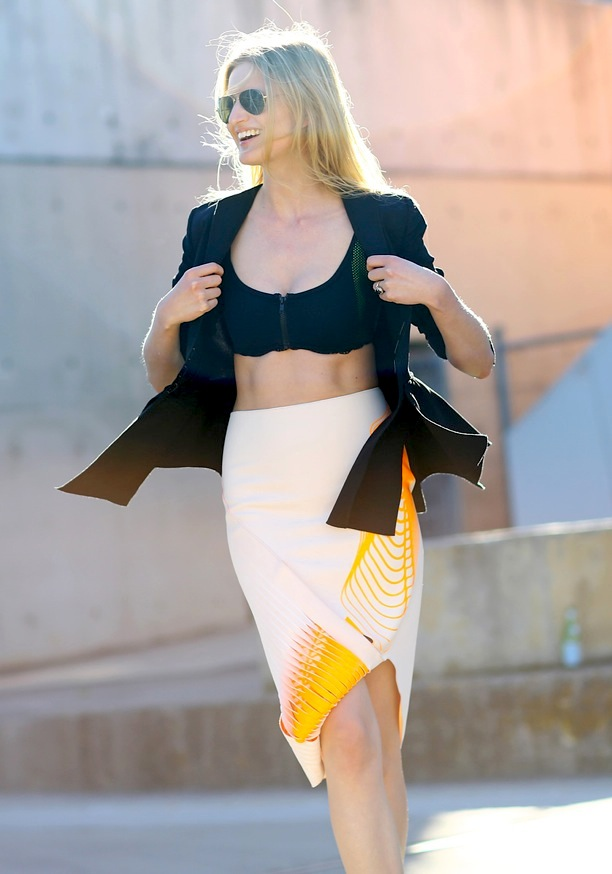 3 Candice Lake midriff pencil skirt- top crop-non si dice piacere- estate 2014- top mini- buon gursto -caduta stile