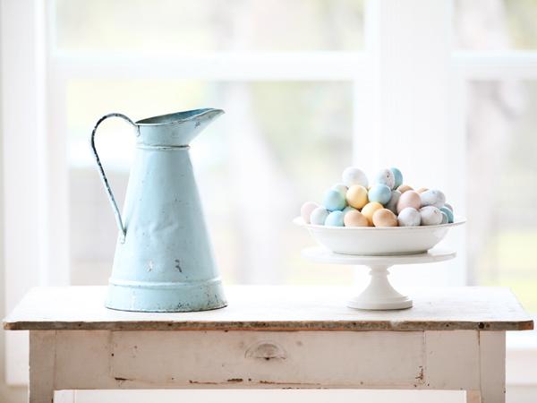 Easater eggs dreamy whites pastello colori pasqua buone maniere non si dice piacere bon ton