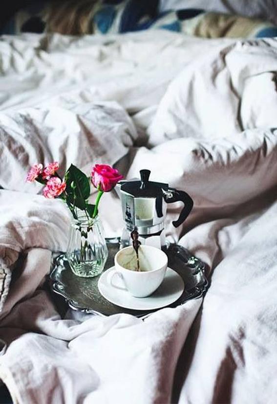 _lazy_sunday_sevgliarsi senza sveglia-non si dice piacere-buone maniere-bon ton