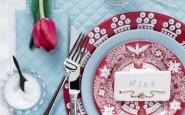 tocco rosso tulipano pasqua-tavola-non si dice piacere-bon ton -buone maniere-galateo