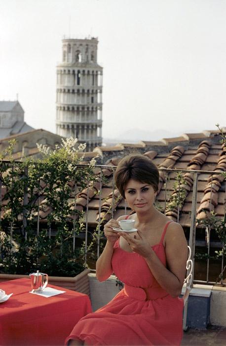 sofia loren - espresso -caffè - non si dice piacere- bon ton etichetta caffè -