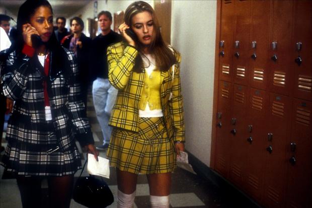 Ragazze-a-Beverly-Hills_buone maniere al telefono- ragazze a beverly hills - tartan cellulare non si dice piacere