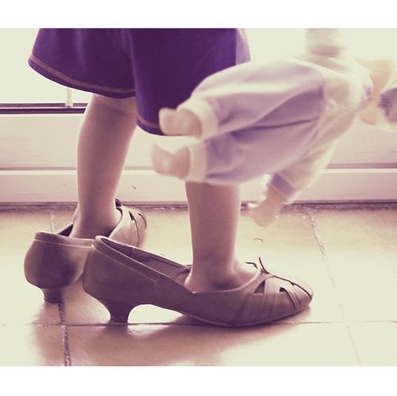 caminare- primi passi- bambini-non si dice piacere- bon ton- buone maniereilovegreeninspiration_lazy_sunday_13