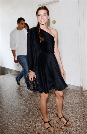 charlotte casiraghi - dress balck nero estate-non si dice piacere-buone maniere