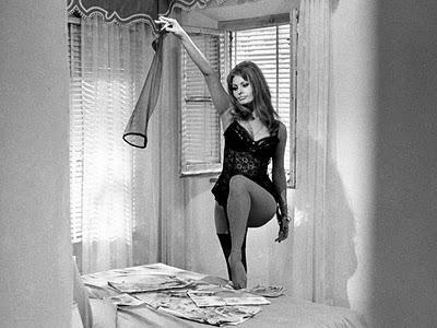 collant - sofia lore- ieri oggi domani- non si dice piacere- calze velate