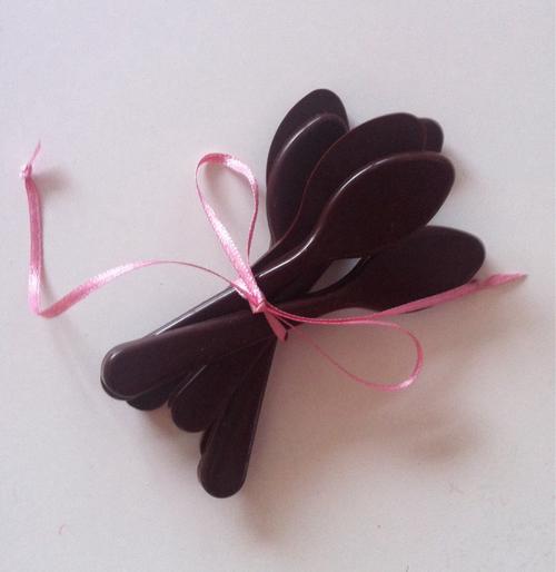 cucchiaino - spoon cioccolato non si dice piacereb bon ton buone maniere etichetta