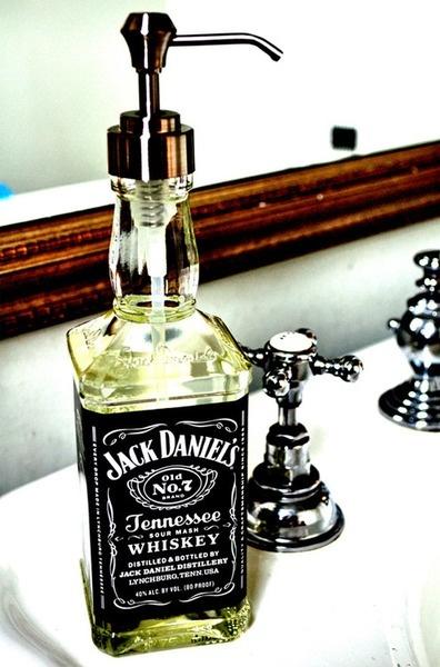 lavarsi mani ufficio- non si dice piacere)