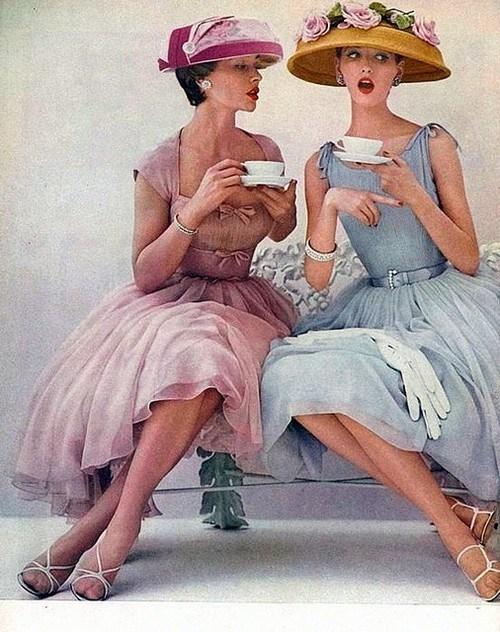 mignolino- tea- amiche-non si dice piacere galateo bon ton buona menire