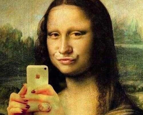 monalisa_selfie-linkedin-bon-ton-galateo-in-netitiquette-non-si-dice-piacere-bon ton- linkedin