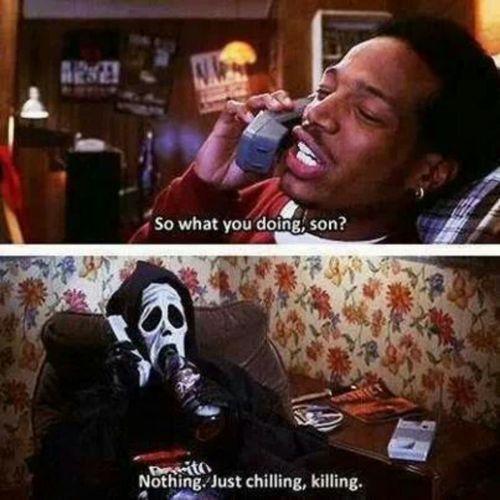 scream-telefono-scary movie-non-si-dice-piacere-bon--ton-telefono-al-buone-maniere