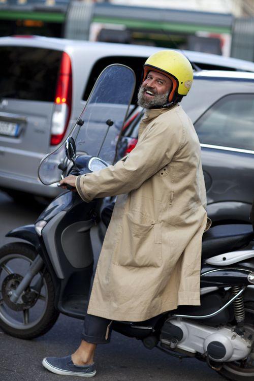 the sartorialist vespa-milano- barba-come portarla-galateo-buon gusto-non si dice piacere-bon ton