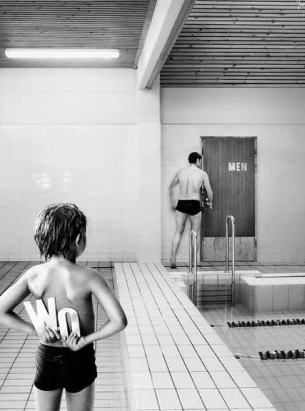 toilette- bagno ufficio- come comportarsi-non si dice piacere-bon ton buone maniere- bimbo