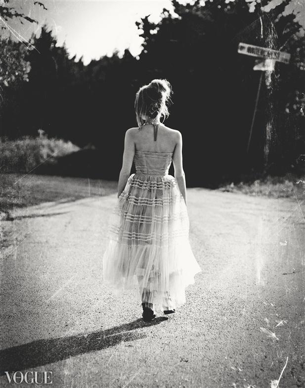 we own the night-camminare - correre- pensare- riflettere- non si dice piacere-bon ton buone maniere
