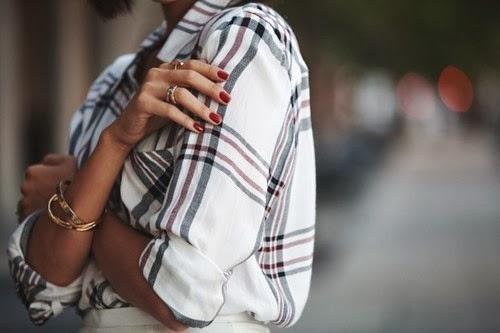 smalto- rosso-estate-cura-smalto- non si dice piacere-blog-buone maniere