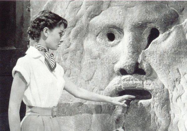 30 - Saggezza popolare - Audrey a Roma-Galateo-digitale-netetiquette-etichetta-buone-maniere-wi-fi-bon-ton