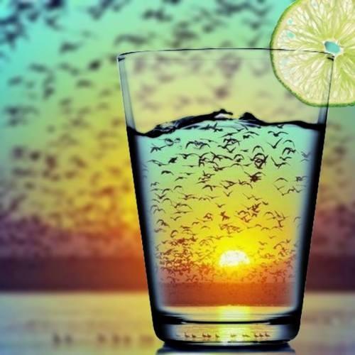 drink+bibite+caldo+doccia+fredda+non+si+dice+piacere+buone+maniere+maglietta+bagnata+estate