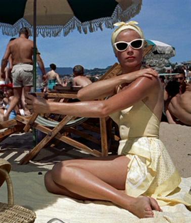grace-tanning-Trucco-spiaggia-mare-come-truccarsi-estivo-estate-non-si-dice-piacere-blog-buone-maniere