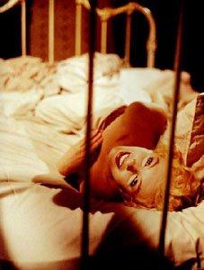 marilyn_monroe_fbiancheria intima - non si dice piacere-Biancheria-intima-come-sceglierla-colore-tipo-boxer-slip-tanga-non-si-dice-piacere-bon-ton