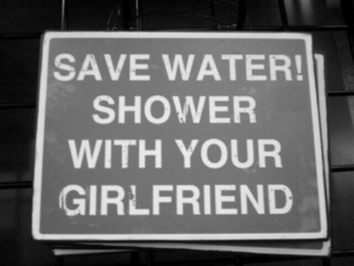 save+water+shower+with+ypur+girlfriend+caldo+doccia+fredda+non+si+dice+piacere+buone+maniere+maglietta+bagnata+estate