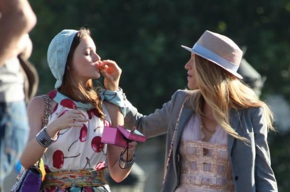 gossip Girl-maccaron-magro-scheletro-fatkini-curvy-pirelli-non-si-dice-piacere-bon-ton-buone-maniere