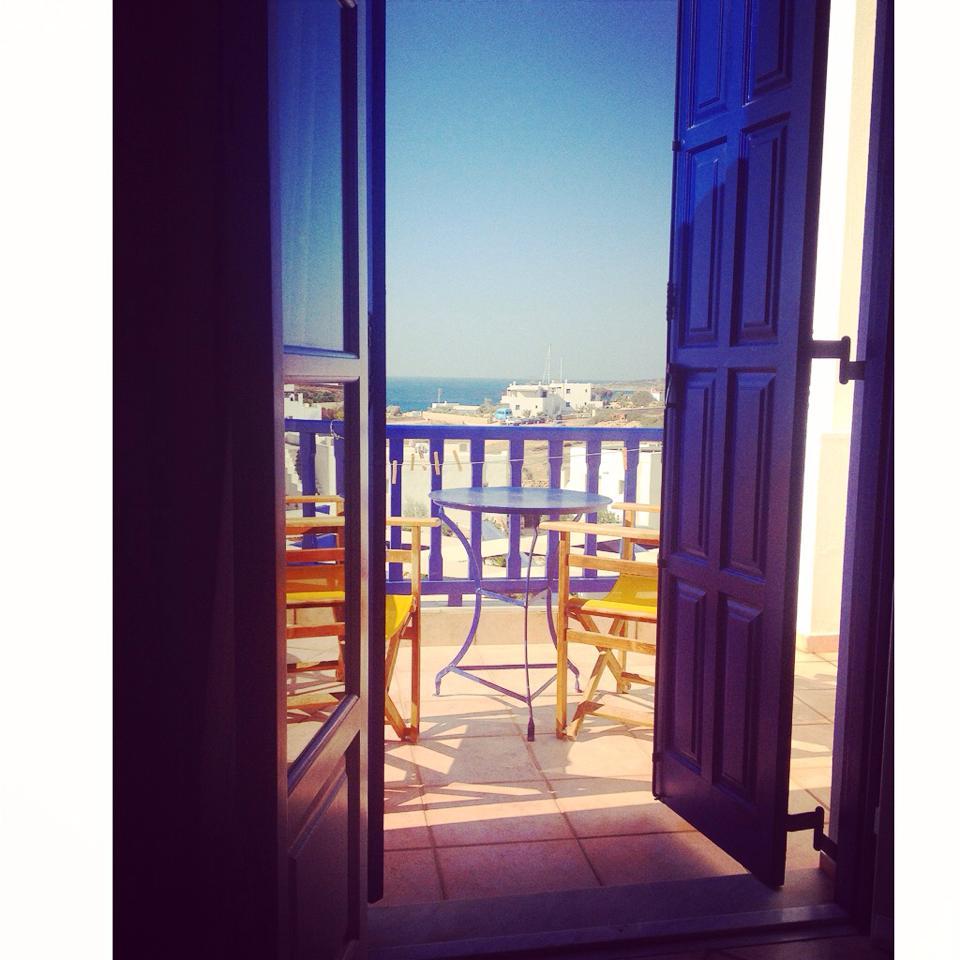 instagram-non-si-dice-piacere-estate-selfie-doccia-bon-ton-buone-maniere-grecia (2)