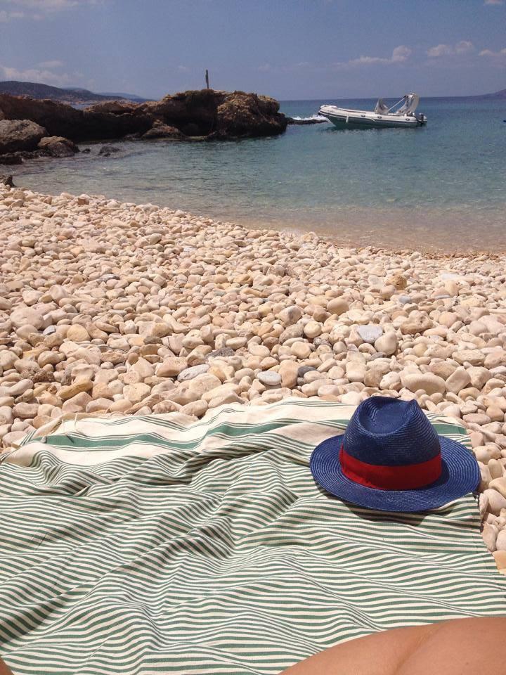instagram-non-si-dice-piacere-estate-selfie-doccia-bon-ton-buone-maniere-grecia (4)