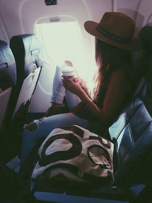 plane sit-Aereo-low-cost-voli-buone-maniere-bon-ton-buone-maniere-non-si-dice-piacere-blog