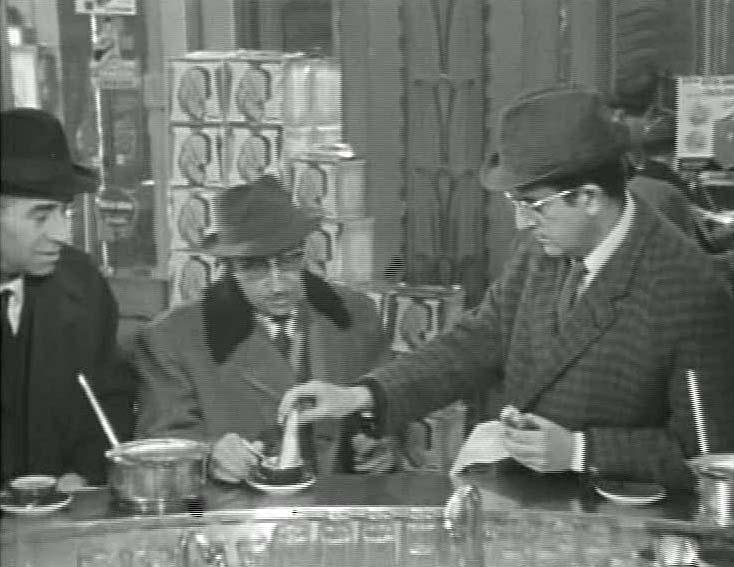 Zuppetta- specchio-segreto-nanni-loy-bar-buone-maniere-galateo-non-si-dice-piacere-blog-galateo