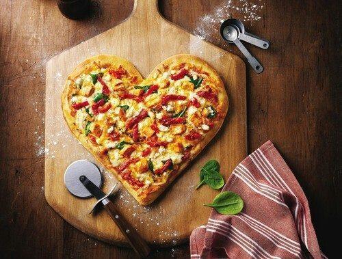 pizza-love-amore-cose-da-non-iniziare-finire-blog-buone-maniere-non-si-dice-piacere