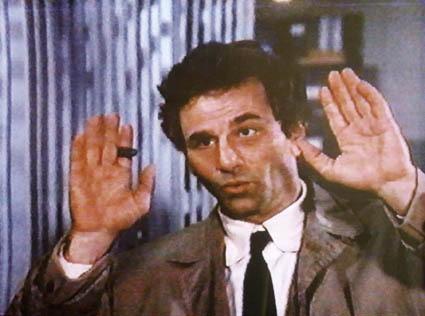 tenente-colombo-cognomi-uso-corretto-buone-maniere-italiano-bon-ton-galateo-blog-non-si-dice-piacere