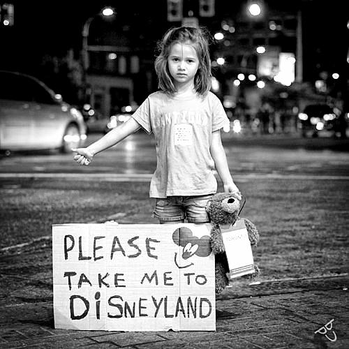 bambini-take-me to-disneyworldimparare-propri-errori-galateo-bon-ton-non-si-dice-piacere-buone-maniere