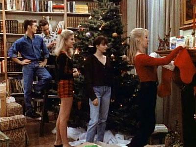 beverly Hills 90210-to-do-list-natale-bon-ton-come-affrontare-eleganza-natale-2014-non-si-dice-piacere-bon-ton-buone-manier