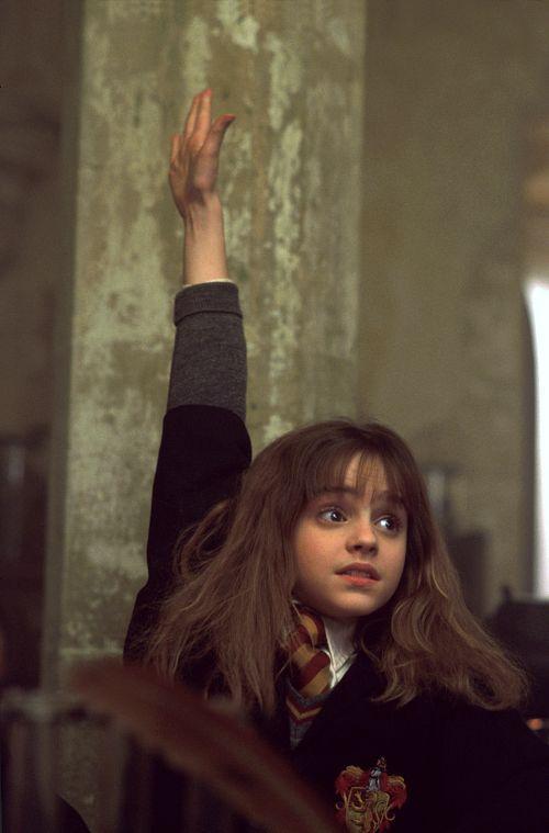 hermione-granger-imparare-propri-errori-galateo-bon-ton-non-si-dice-piacere-buone-maniere