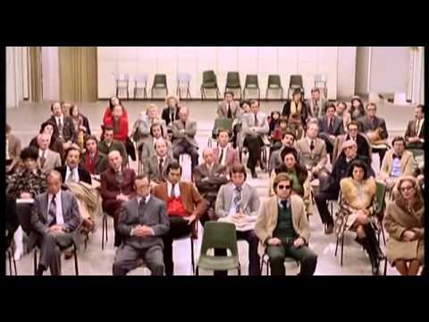 secondo-tragico-fantozzi-colleghi-ufficio-come-comportarsi-cosa-non-fare-bon-ton-buone-maniere-galateo-non-si-dice-piacere