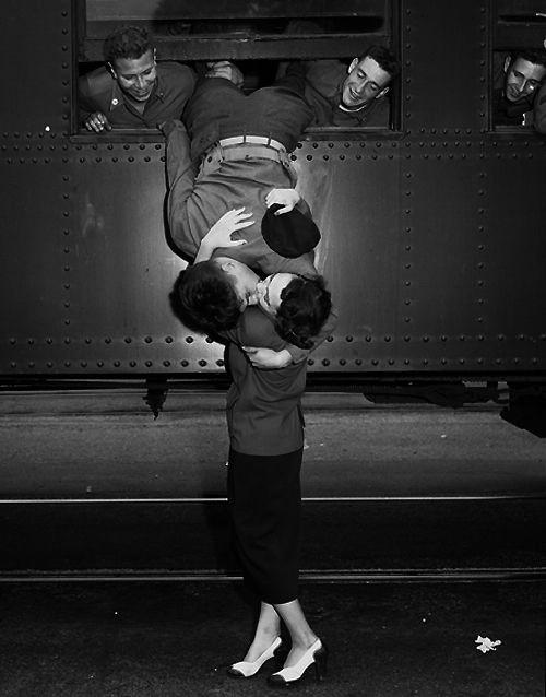 bon-ton-buone-maniere-pendolari-treno-lavoro-scuola-non-si-dice-piacere-blog