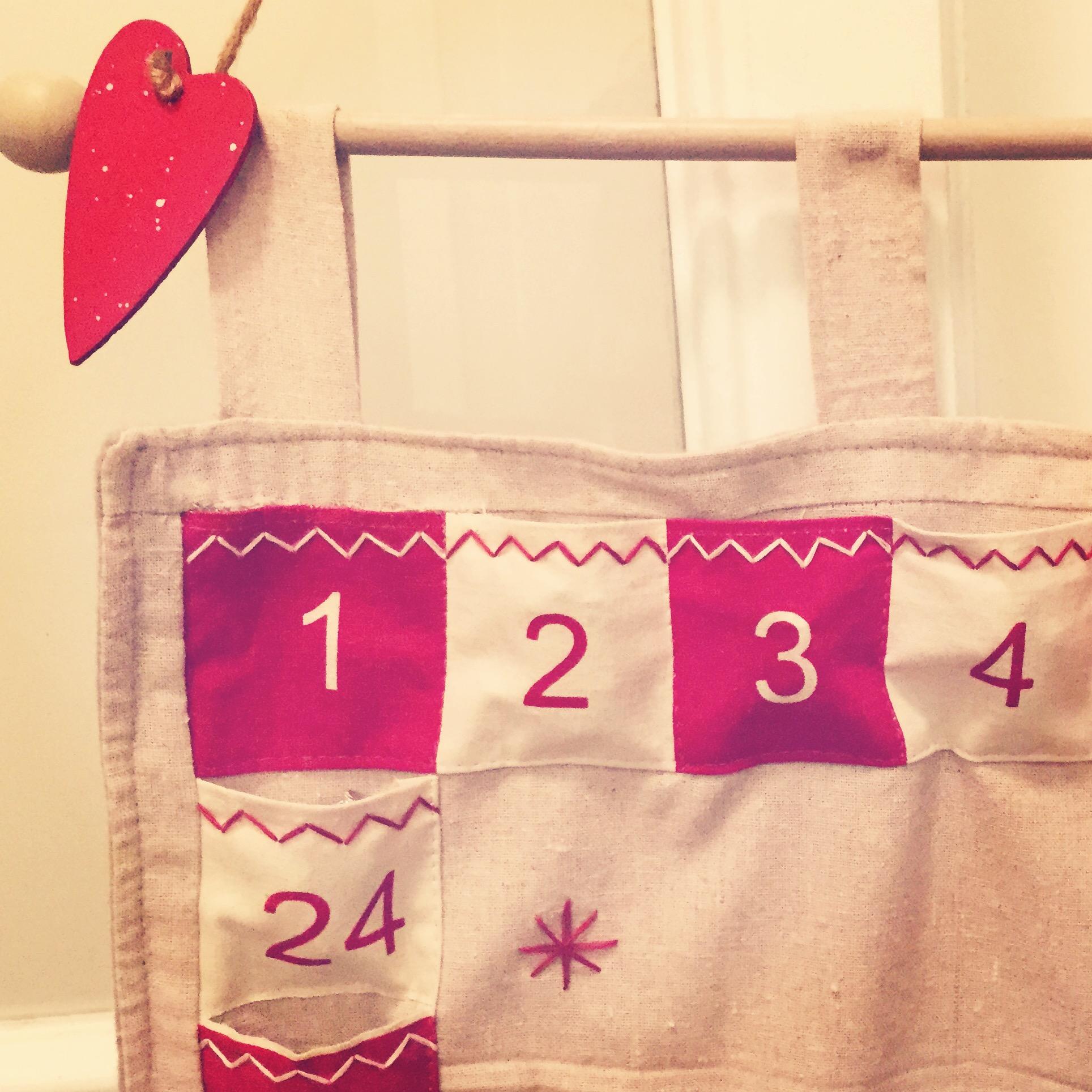 calendario avvento-babbo-natale-regali-come-fare-aiutante-non-si-dice-piacere-buone-maniere