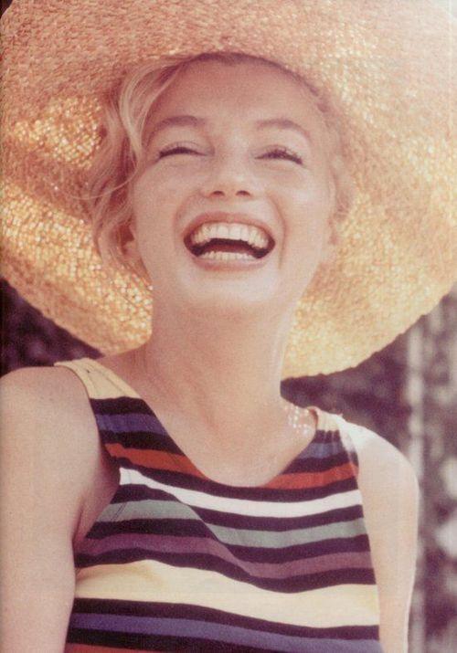 marilyn-monroe-tutto-contrario-niente-30-anni-stati-d'-animo-non-si-dice-piacere-blog-galateo-bon-ton