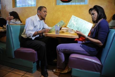 Obama and his wife - cucinare-bon-ton-ristorante-pagare-romana-non-si-dice-piacere-bon-ton-galateo