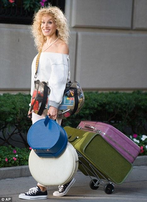 carrie-valigie- Valigia-fare-bagaglio-a-mano-limiti-peso-non-si-dice-piacere-bon-ton-buone maniere
