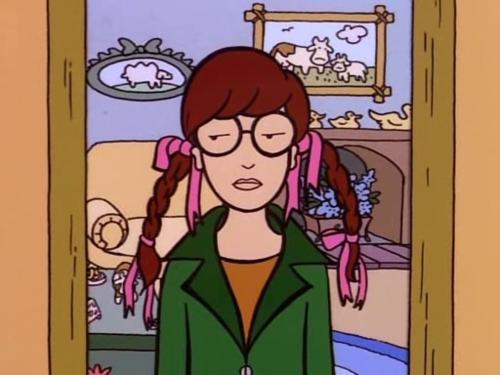 daria-capelli-pettine-toccarsi-bon-ton-buone-maniere-doppie-punte-bon-ton-non-si-dice-piacere