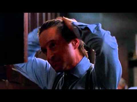 michael-douglas-capelli-pettine-toccarsi-bon-ton-buone-maniere-doppie-punte-bon-ton-non-si-dice-piacere
