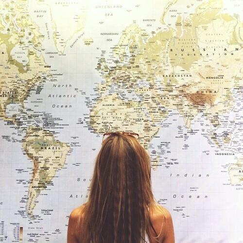 mondo-mappa-kilimangiaro-alle-falde-rai-ilaria-valentinuzzi-non-si-dice-piacere-galateo-mondo-internazionale-presentazioni-expo