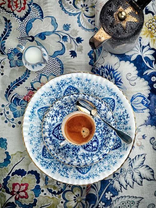 tea-tè-cinque-invitare-offrire-servizio-te-bon-ton-buone-maniere-goolp-non-si-dice-piacere-buone-maniere-stelle