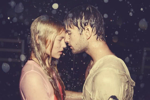 4-bacio-never-stop-kissing-sam-san-valentino-casa-sanremo-folletto-vr200-robottino-non-si-dice-piacere-bon-ton-galateo- glamoure