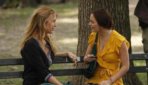 Serena-e-Blair-Gossip-Gir-muri-orecchie-gossip-spettegolare-parlare-alle-spalle-bon-ton-galateo-non-si-dice-piacerel