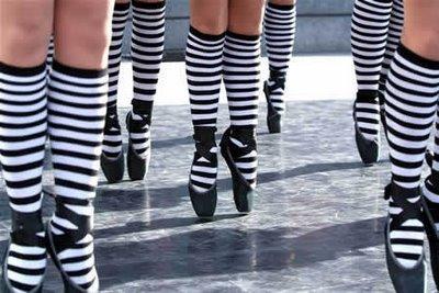ballerine-calzettoni-righe-mischiare-carte-regole-stati-d-animo-non-si-dice-piacere-bon-ton-buone-maniere-galateo